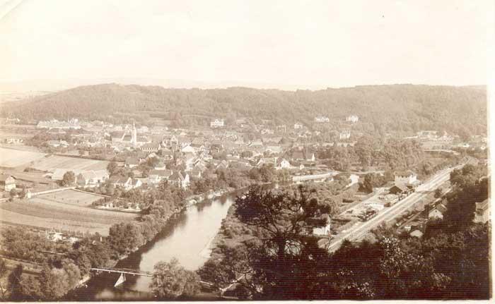 1900 - Blick auf Tennisplatz und Bahnhof in Gars