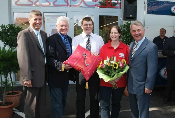2008 - Eröffnung des Musterladen in Schönberg mit Bgm. Peter Heindl, LH-Stv. Ernest Gabmann, Walter Hengsberger und KR Julius Kiennsat