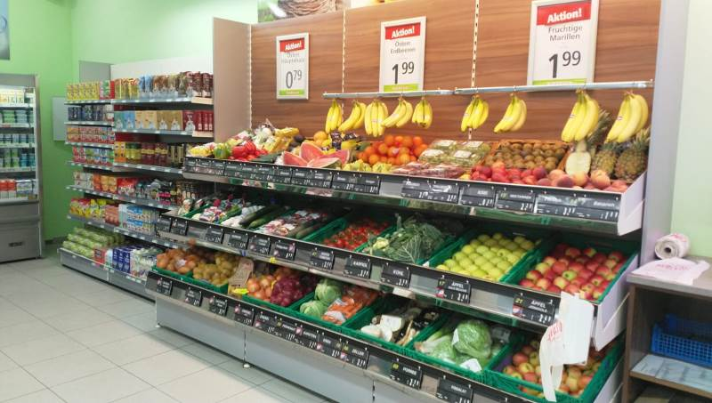 Frisches Obst&Gemüse laden zum Zugreifen ein.