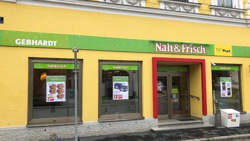 Die schön gestaltete Außenansicht von Nah&Frisch Geras