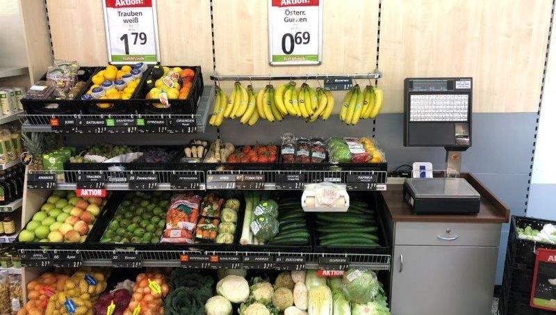 Frisches Obst und Gemüse laden zum Zugreifen ein.