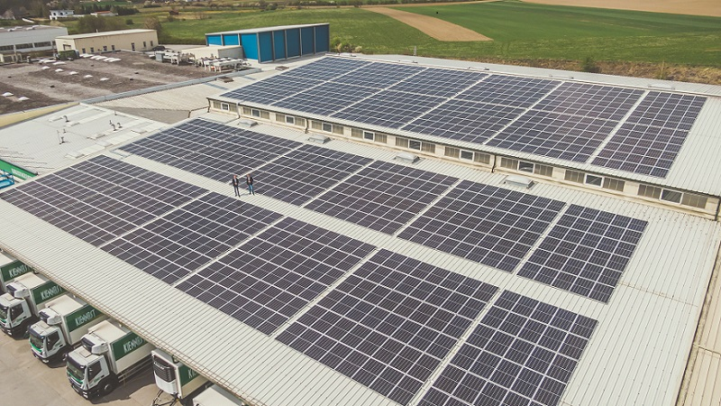 Die 400 kWp leistungsstarke Photovoltaikanlage von Firma Kiennast © Foto: Hannes Winkler / Imageyourlife