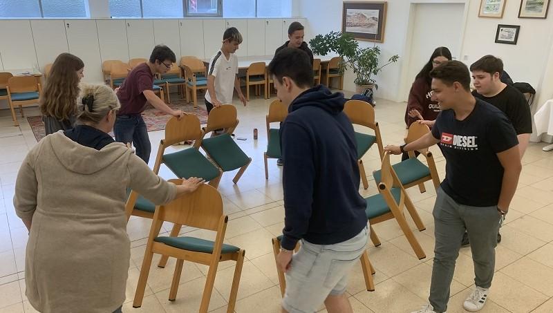 Trainer Matthias Schweighardt motivierte unsere Lehrlinge mit vielen unterhaltsamen Übungen.