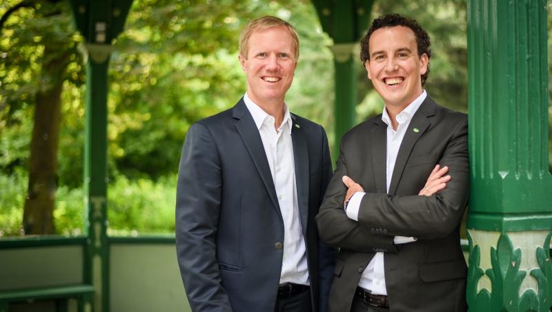 Mag. Julius Kiennast und Mag. Alexander Kiennast freuen sich über die erfreuliche Geschäftsentwicklung.